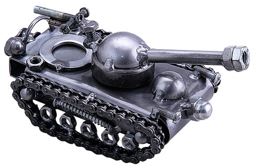 Recycled Metal Art – Small Military Tank