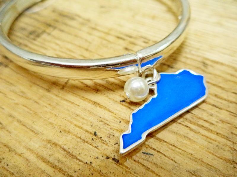 Kentucky Blue Pearl Silver Stretch Bracelet