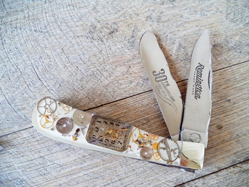 Remington Custom White Steampunk Jumbo Trapper Knife